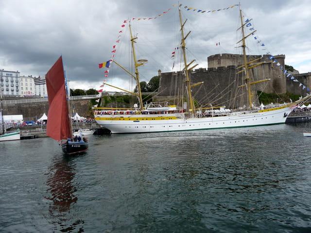 Le trois-mâts barque Mircea