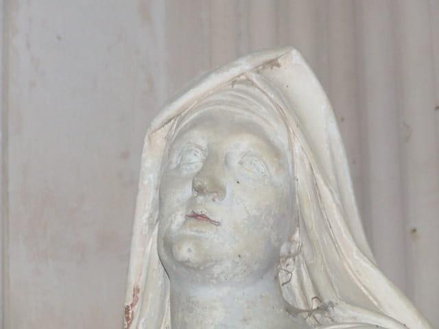 Le visage de marbre