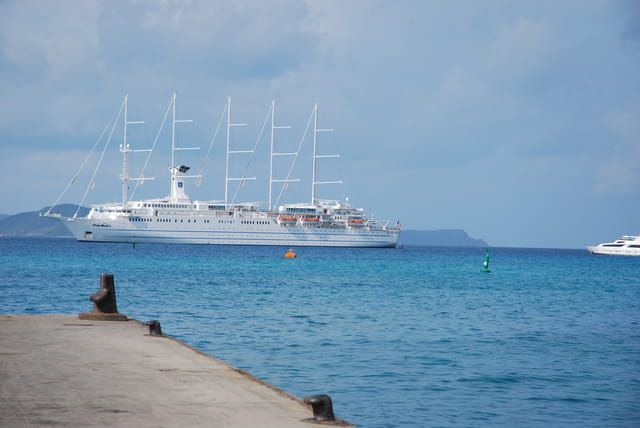 le voilier du Club Méd devant l'île de Virgin Gorda