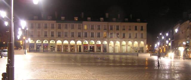 Les arcades, la nuit
