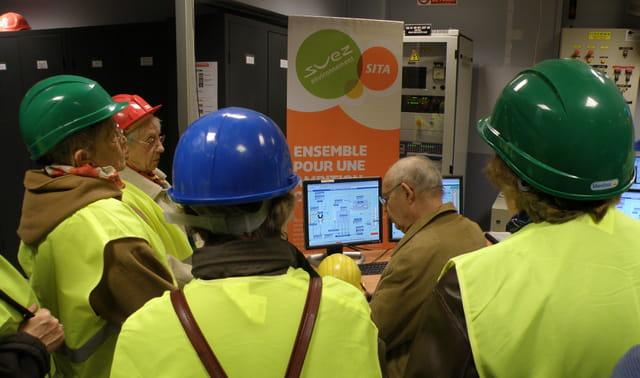 Les AVF du Pecq en visite au SITRU de Carrières-sur-Seine