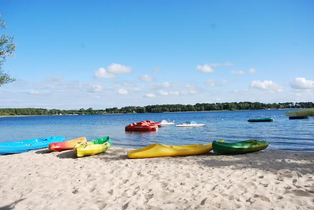 les bateaux sur le lac