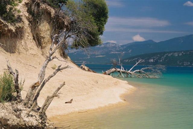 Les bords du lac de Sainte Croix