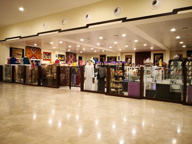 les boutiques du terminal maritime