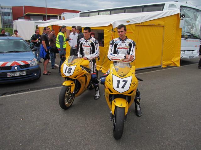 Les champions motocyclistes du Gers.