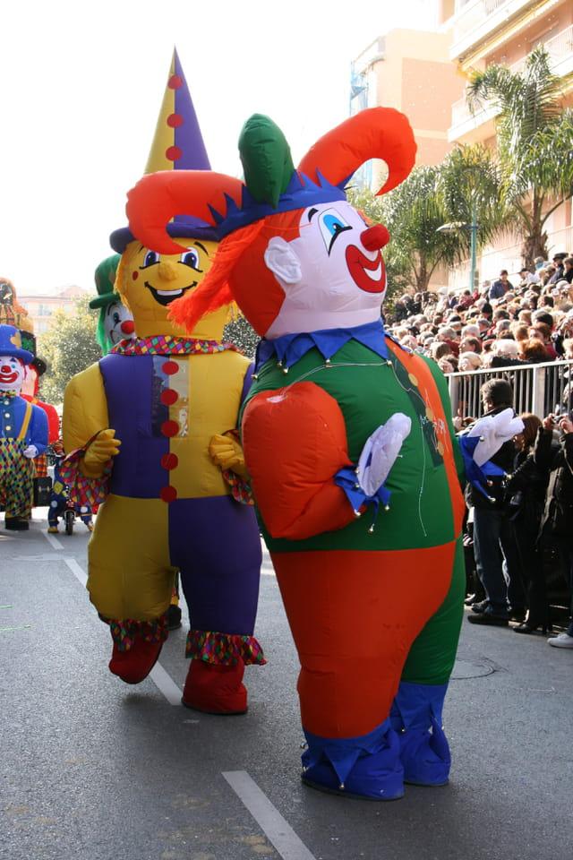 Les clowns géants