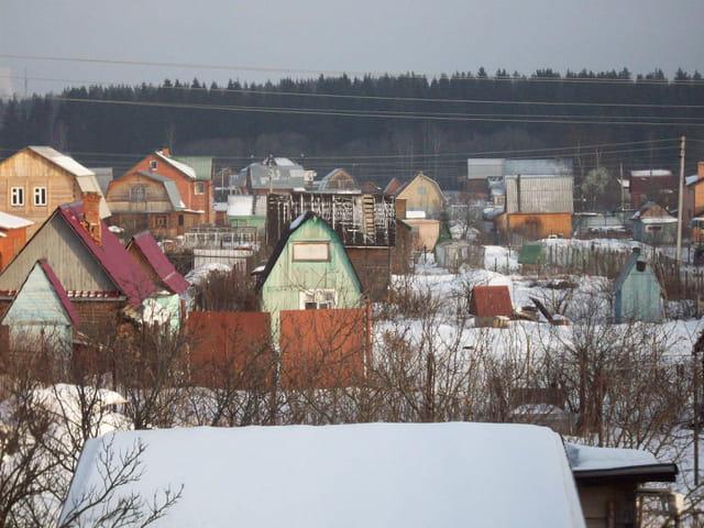Les datchas en couleur en hiver