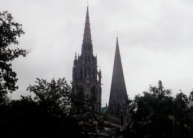 Les deux flèches de la cathédrale de Chartres