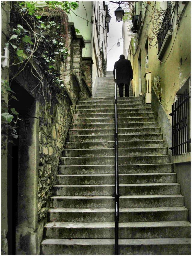 les escaliers de la butte par jean tolomio sur l internaute