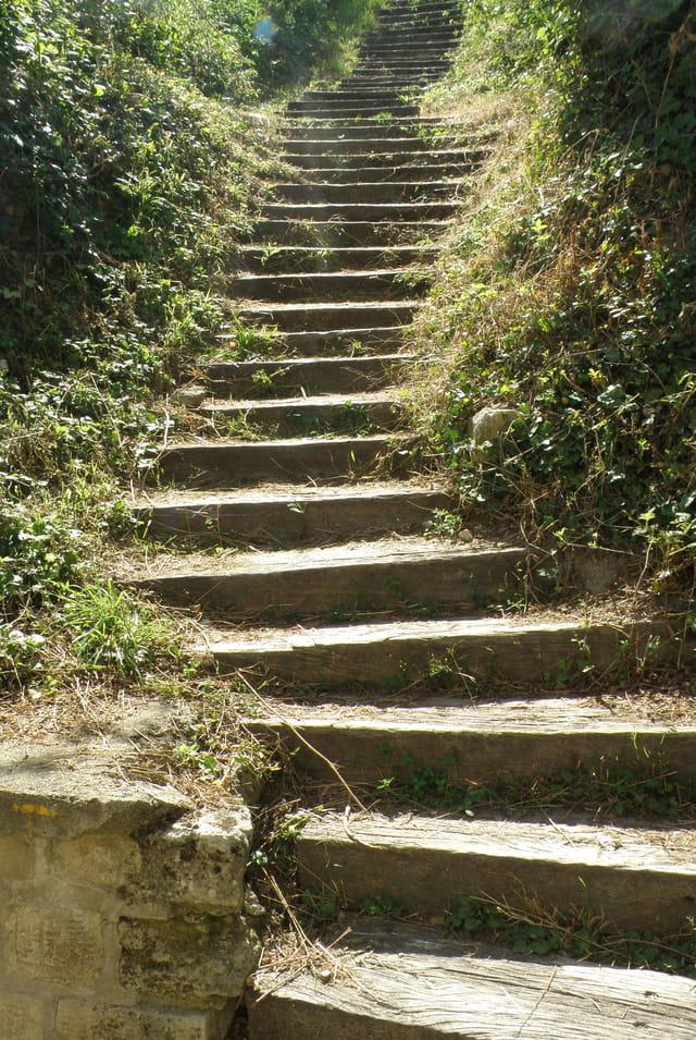 Les escaliers vers Saint-Germain