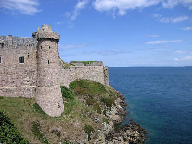 Les fortifications Sud-Extérieur de Fort-La-Latte