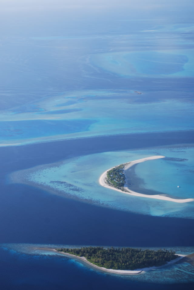 Les Maldives vues de l'hydravion