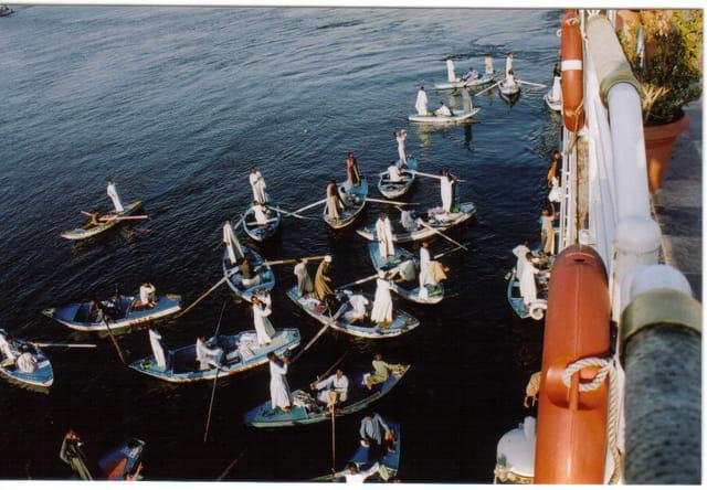 Les marchands en barque
