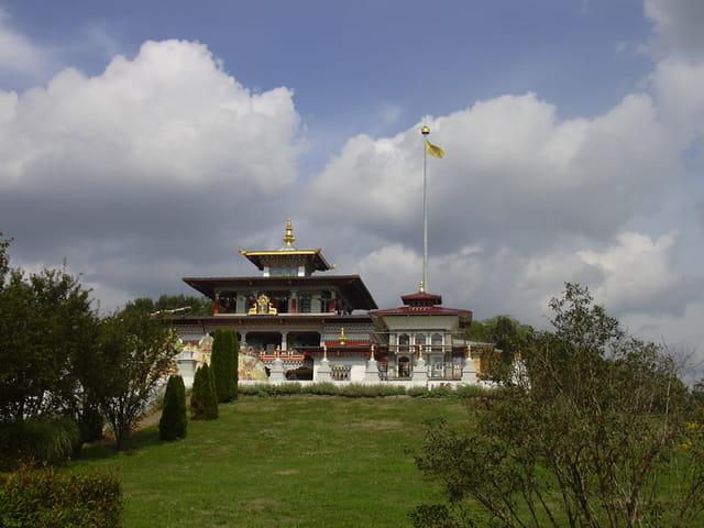 Les mille bouddhas