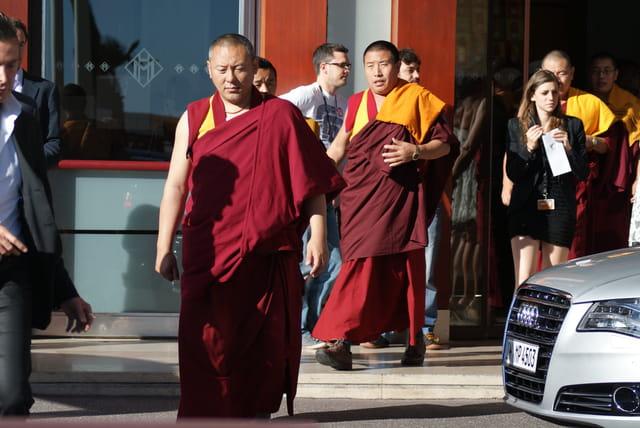 Les moines boudhistes