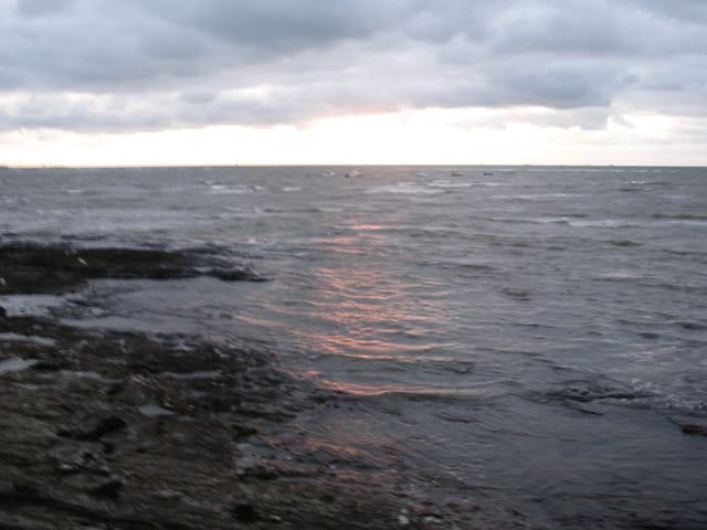 Les nuages, le soleil et la mer