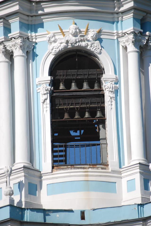 les petites cloches de l'église Saint Nicolas des Marins