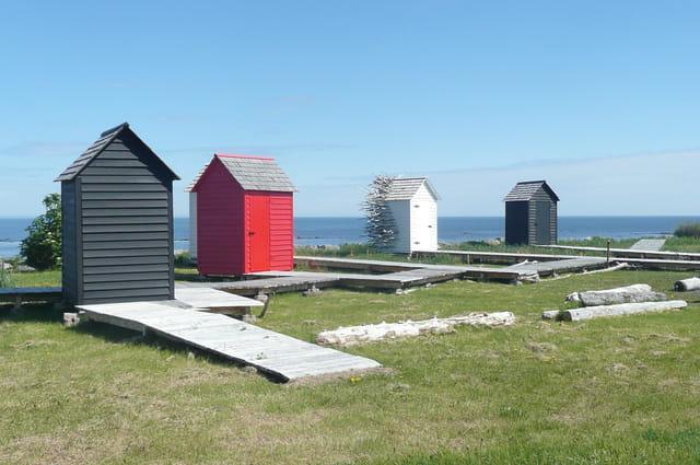 Les petites maisons de bord de mer par michelle mc murray sur l 39 internaute - Petite maison a renover bord de mer ...
