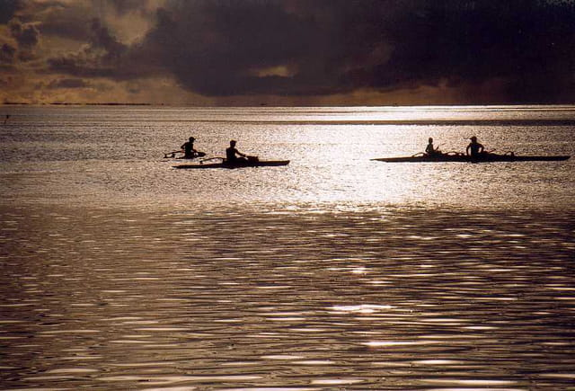 Les pirogues à Bora Bora