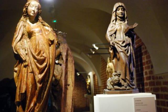 les statues du Musée du château de Marienbourg