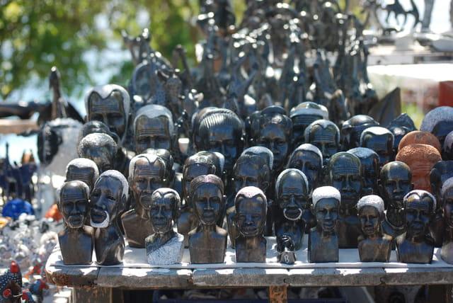 Les statuettes