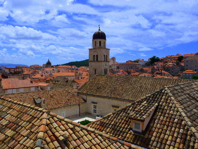 Les toits du monastère franciscain