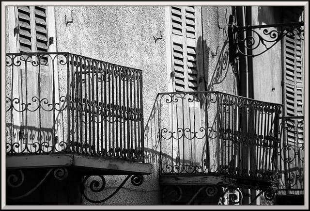 Les vieux balcons