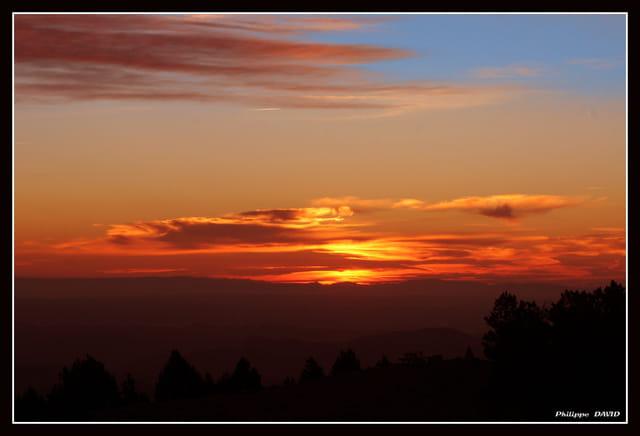 Levée de soleil au mont Aigoual