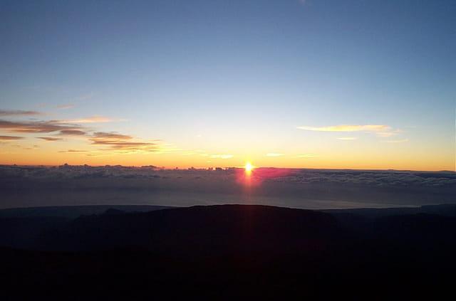 lever de soleil au Piton des Neiges