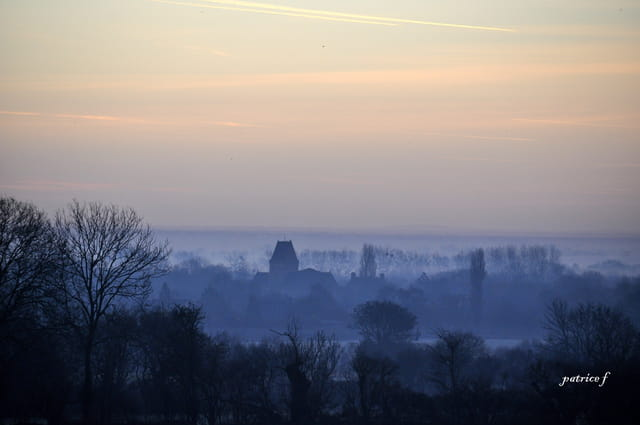 lever de soleil et brume