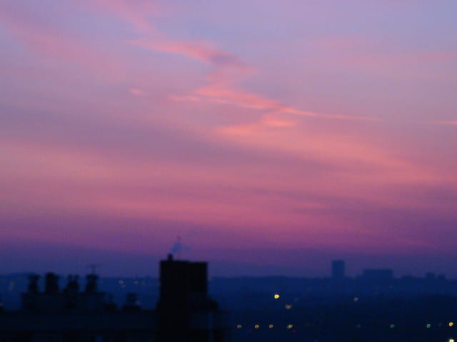 Lever de soleil rose et bleu