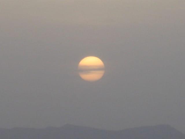 Lever de soleil sur désert marocain