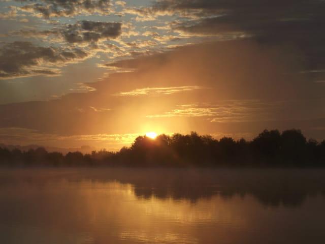 Lever de soleil sur le Lac