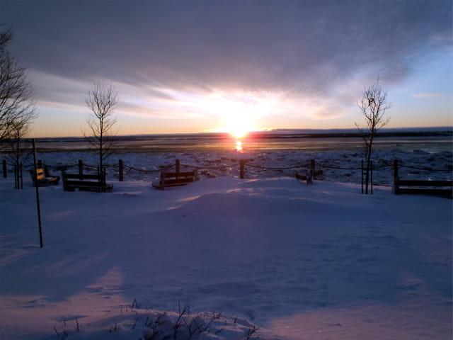 Lever de soleil sur le Saint Laurent gelé