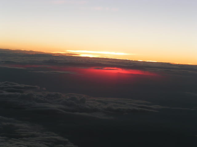 Lever de soleil, vu d'avion