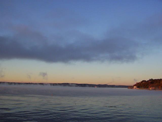 Lever du soleil sur la baie