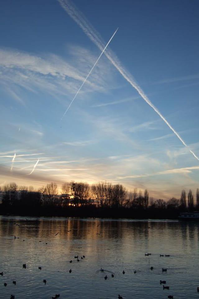 Lignes brisées dans le ciel