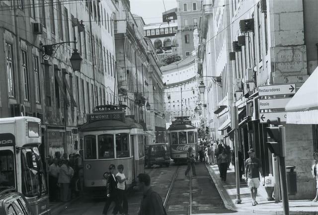 Lisbonne tramway mais pas si vieux