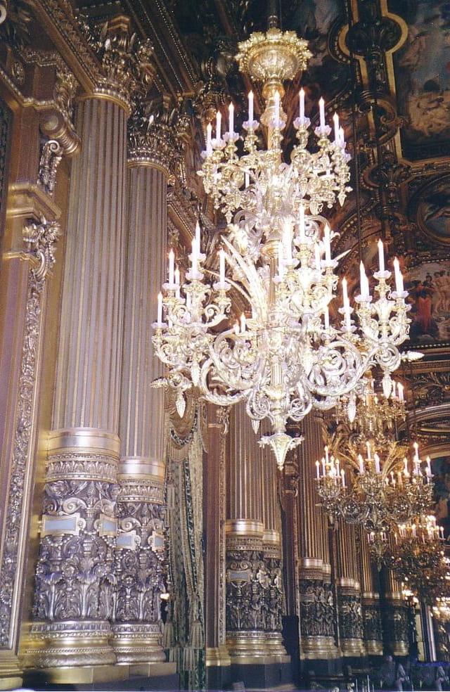 Lustres de l'opéra de paris