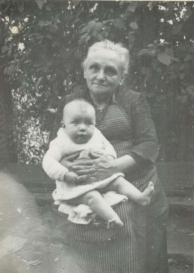 Ma grande soeur partie en 1942 avec ma grand mère paternelle.