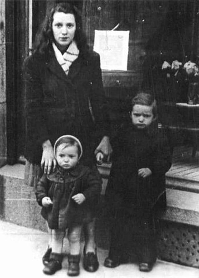 Ma mère,mon frère et moi