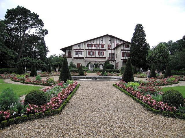 Maison Arnaga et le jardin