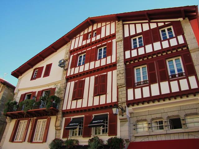 Maison basque par jean marc puech sur l 39 internaute for Photos maison basque