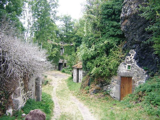 Maison dans la roche