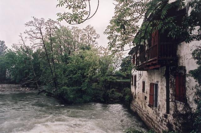 Maison sur la rive