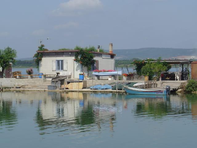 Maison sur le canal