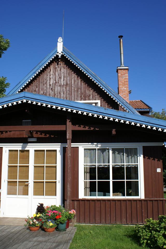 maison traditionnelle de lituanie par marc chartier sur l 39 internaute. Black Bedroom Furniture Sets. Home Design Ideas
