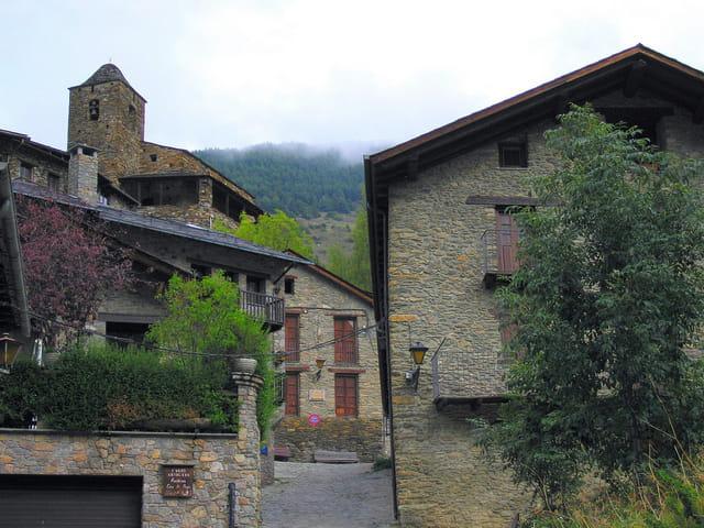 Maisons et ruelles du village (11)