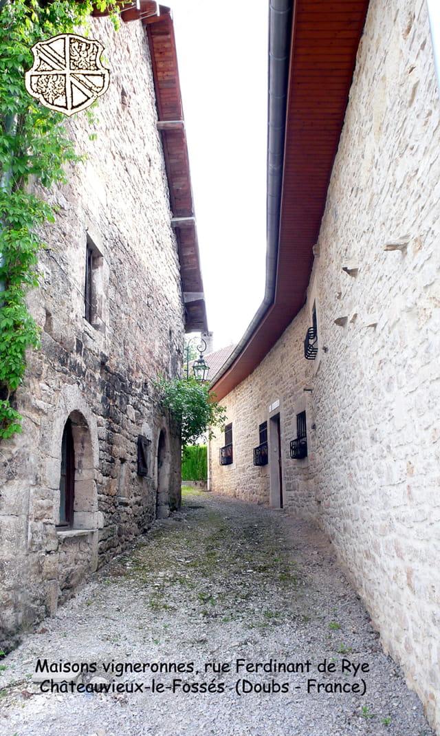 Maisons vigneronnes - vallée de la Loue