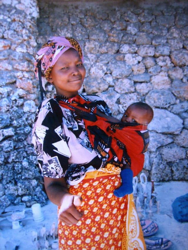 Maman-bébé kényans